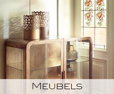meubels, kast, tafel, stoelen, bijzettafel, pouf