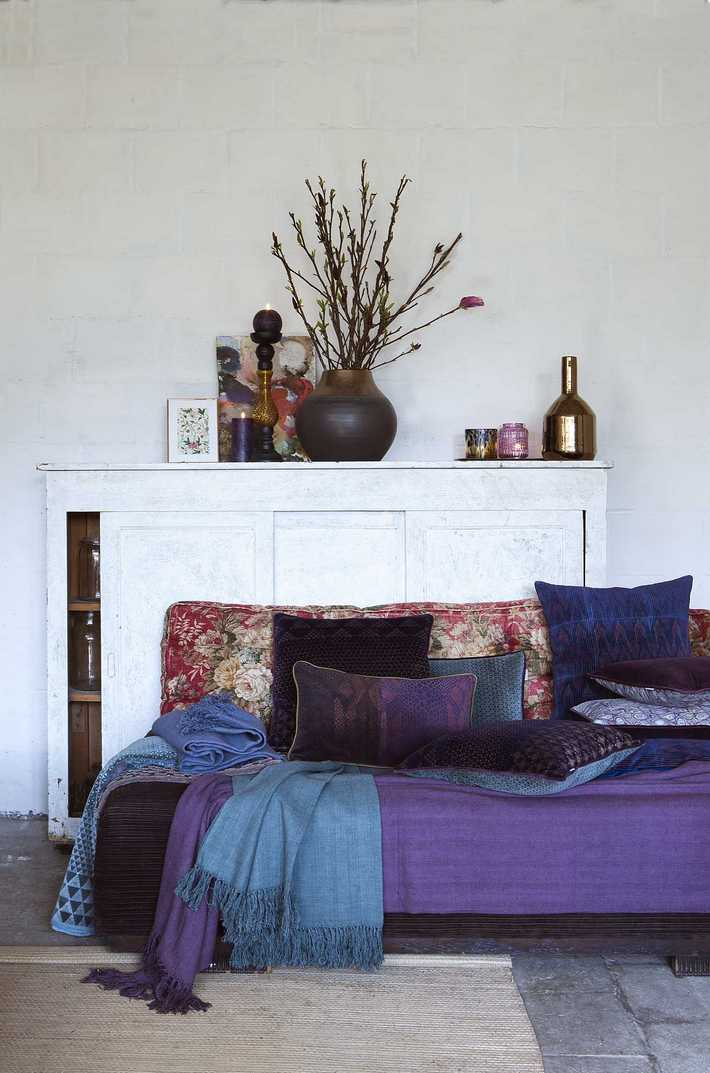 mysterious pomax home collection. Black Bedroom Furniture Sets. Home Design Ideas
