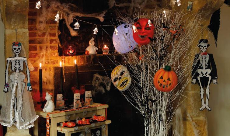 Daar is de herfst maak het binnen gezellig en knus ava - Deco halloween tafel maak me ...