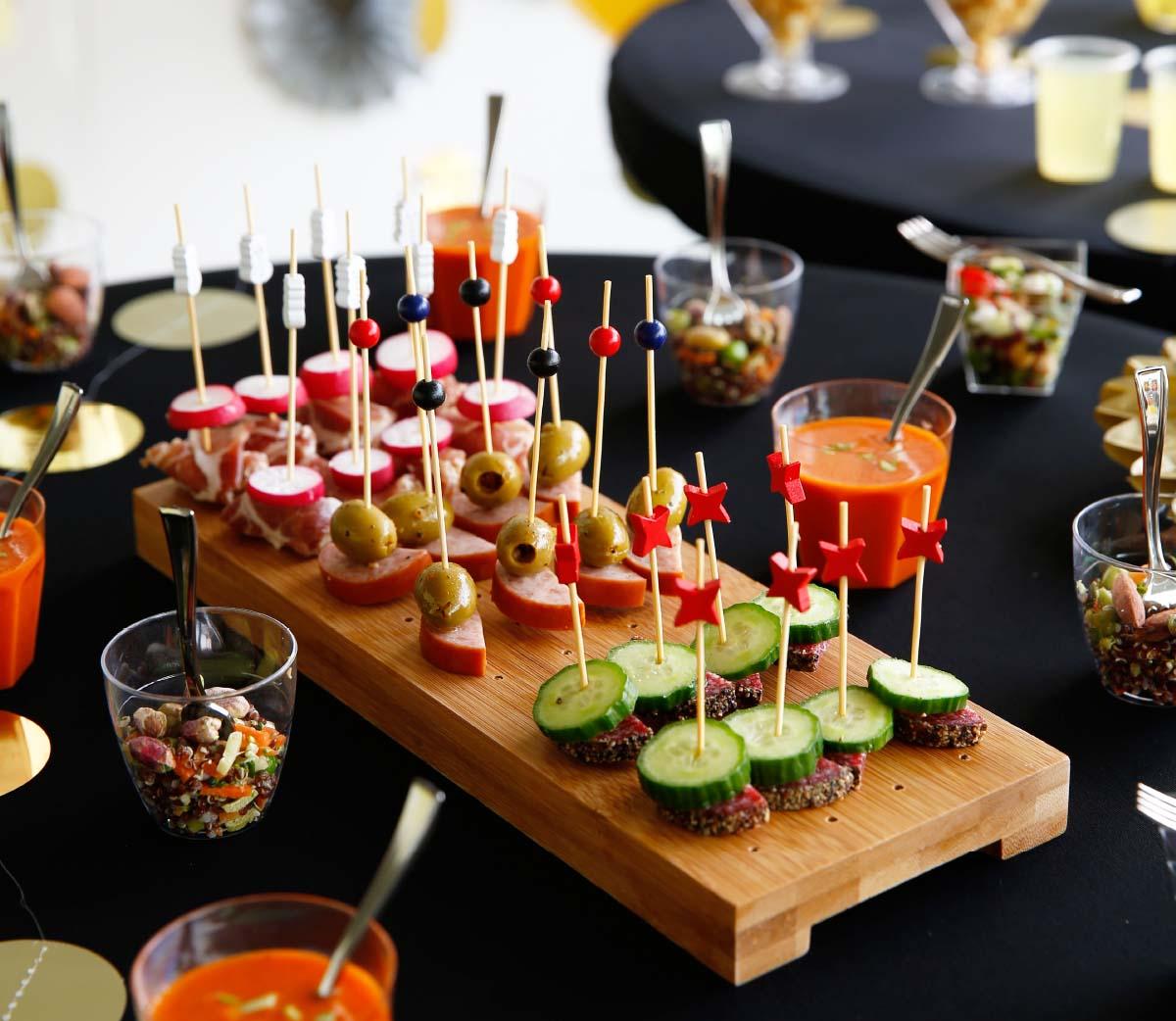 aperitiefhapjes presenteren