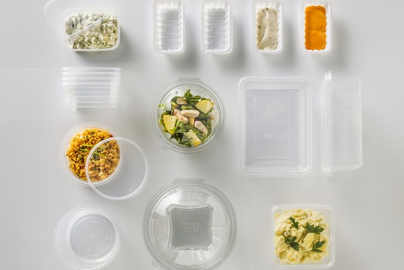 Transparante potjes om voeding te bewaren.