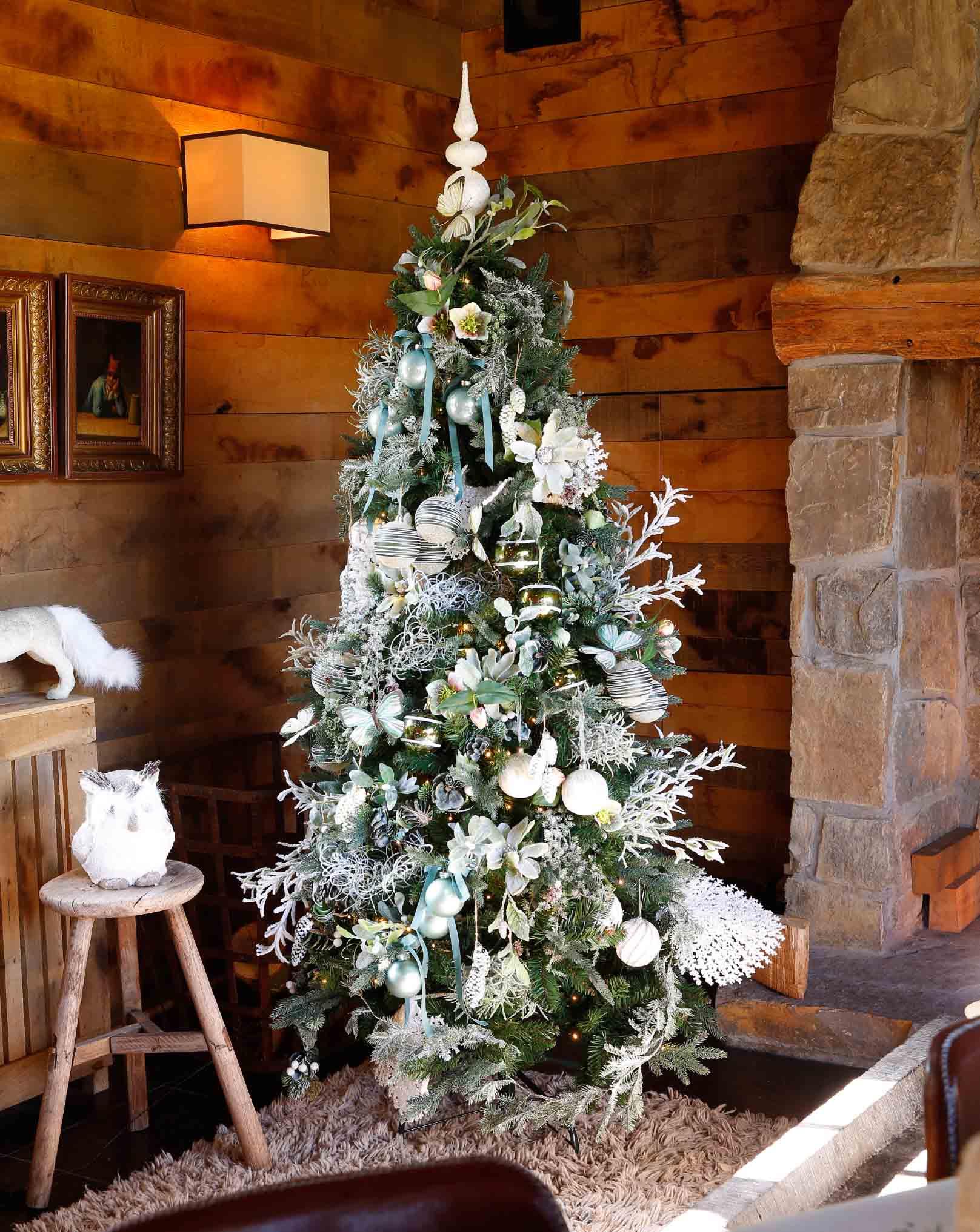 kerstboom met groen en wit