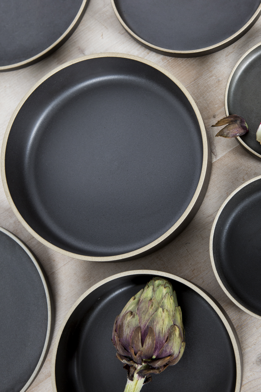 https://www.twiggy.be/en/product/detail/hasami-black-bowl-medium/1040541?colour=83654