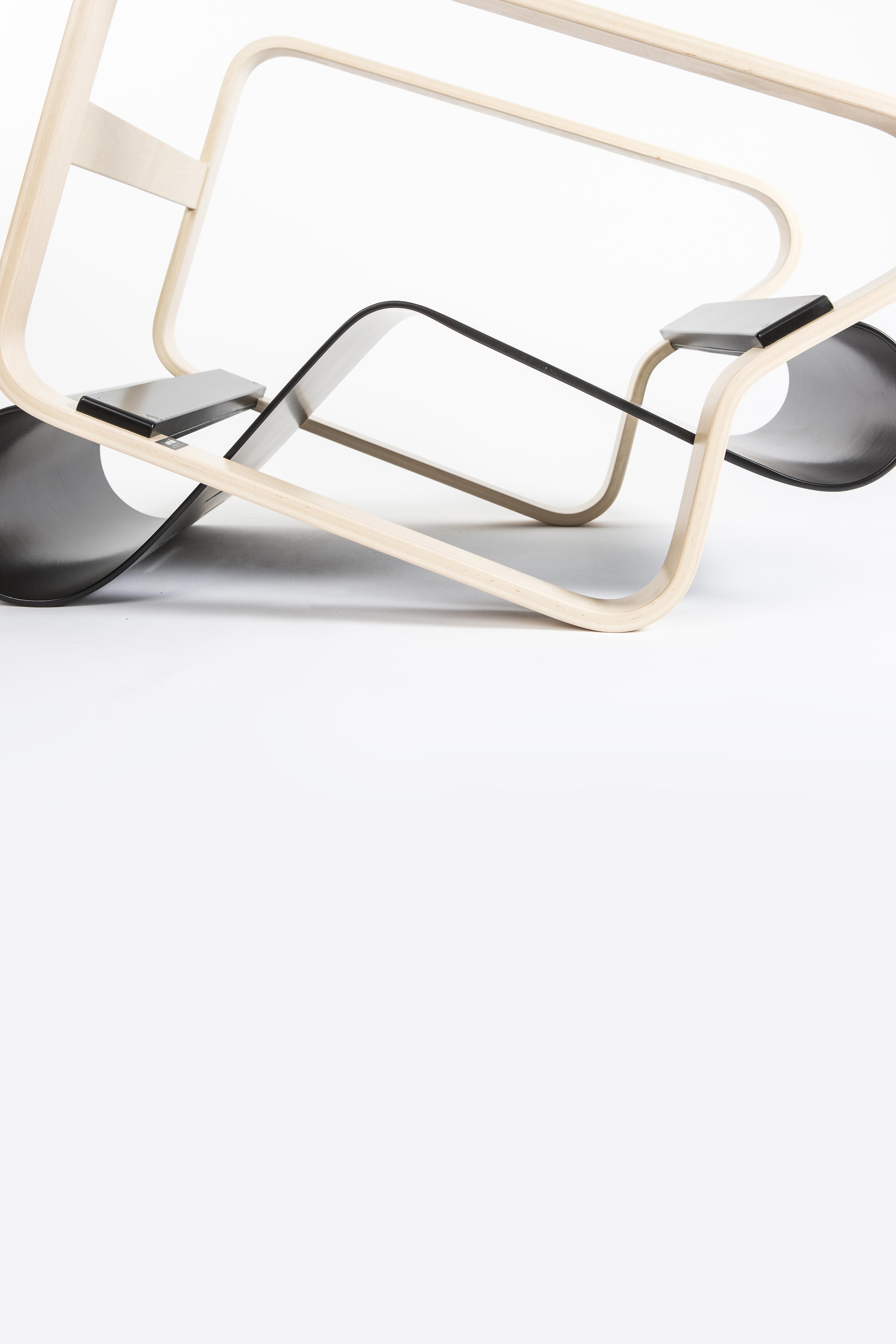 https://www.twiggy.be/en/product/detail/artek-paimio-41-armchair/1040534?colour=83654