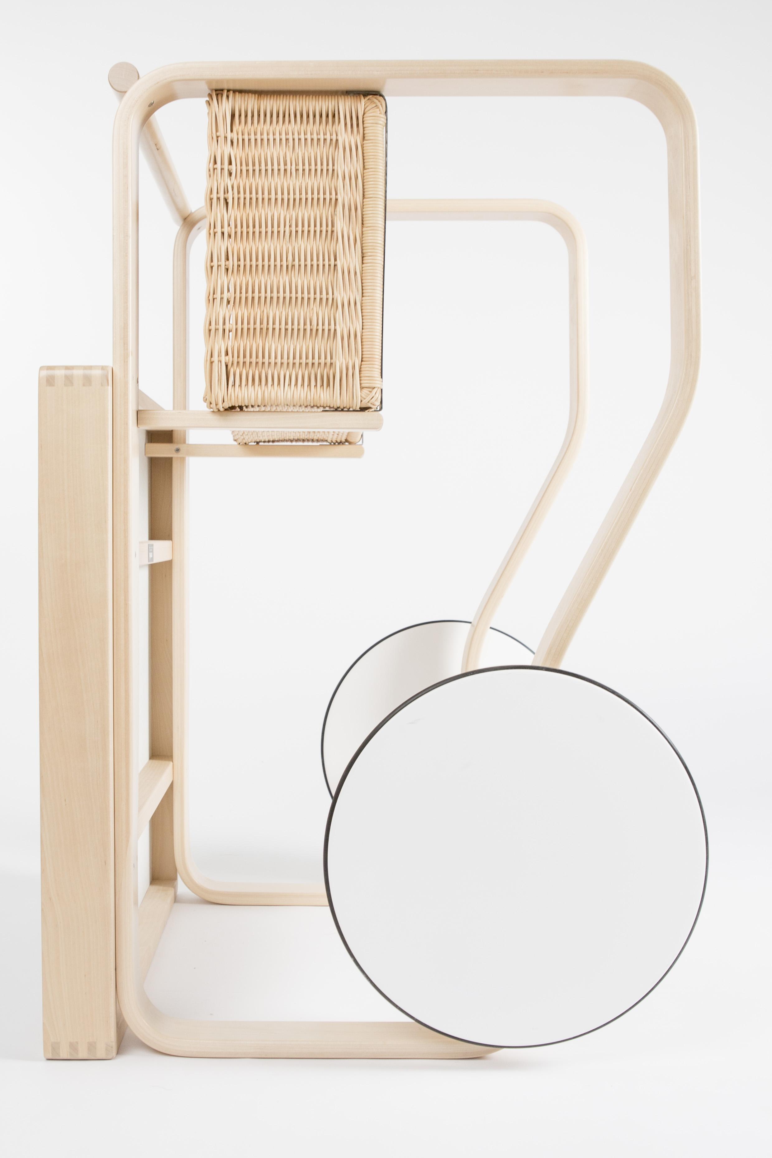https://www.twiggy.be/en/product/detail/artek-alvar-aalto-tea-trolley-900/1174603?colour=84310
