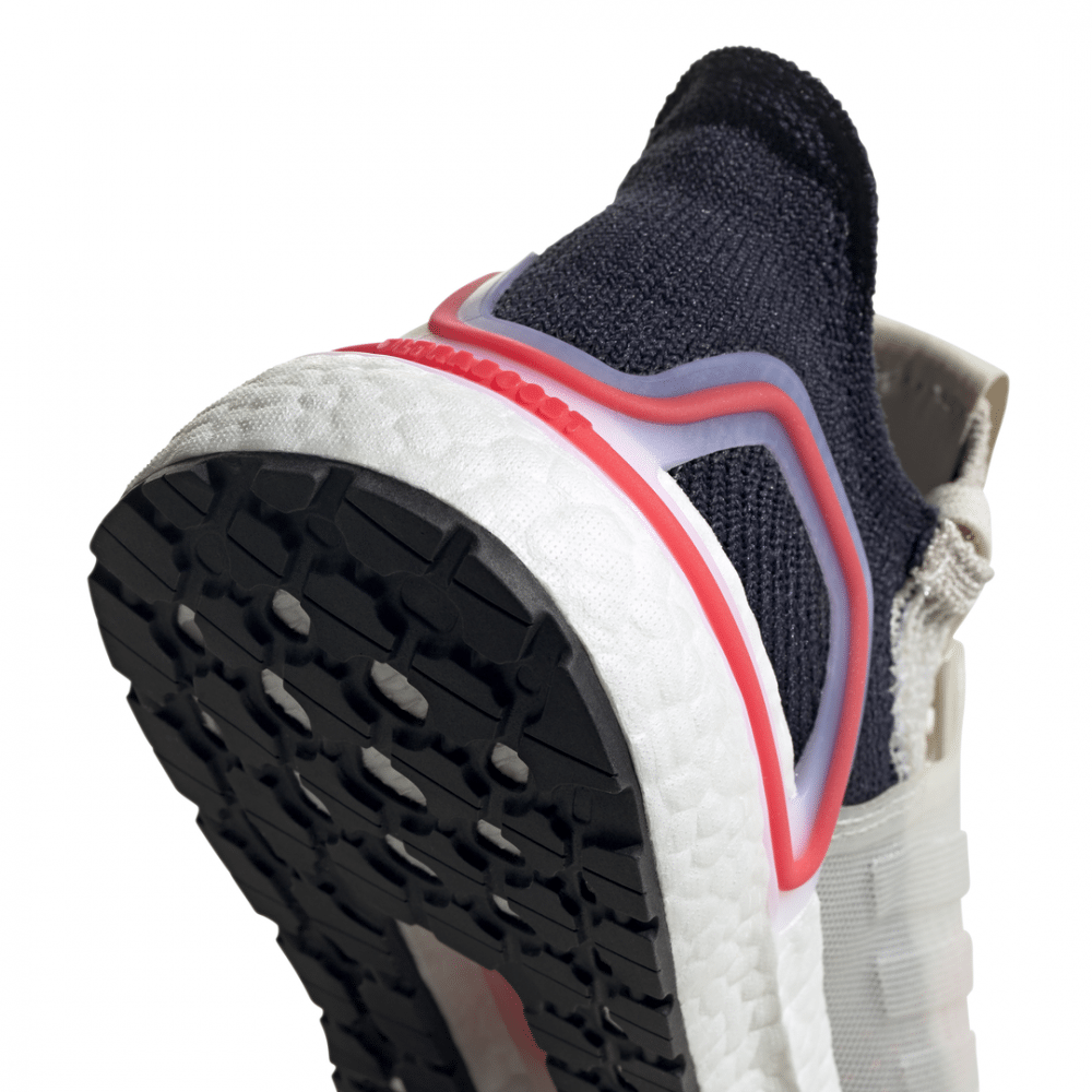 best service 87704 fe0a7 Previous Next. Previous Next. ADIDAS UltraBoost 19 W road running dames   F35284. € 179 ...