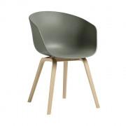 AAC22 stoel met gelakte poten