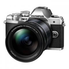 Olympus E-M10III + 12-200mm slv/blk
