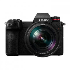 Panasonic Lumix S1R + 24-105mm