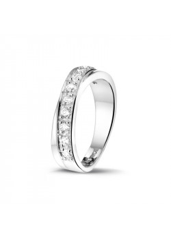 ring in zilver, gezet met zirkonia