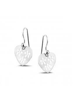 Boucles d'oreilles en argent, coeur ajouré par des petites fleurs.