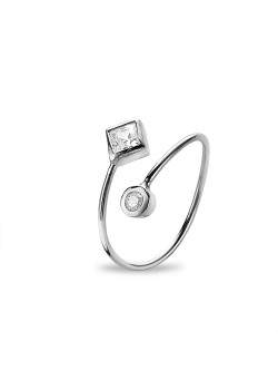 Silver ring, diamond and round shaped zirconia