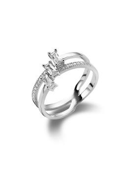 ring in zilver, 3 rechthoekige en kleine zirkonia