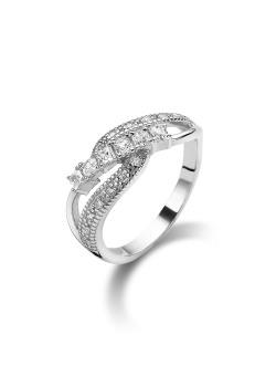 ring in zilver met ronde en vierkante zirkonia