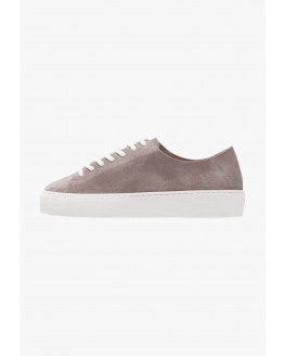 Doric Minimal Oxford Shoe Suede - Taupe