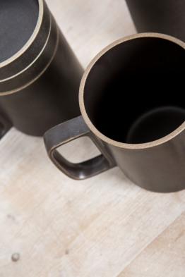 hasami black mug medium