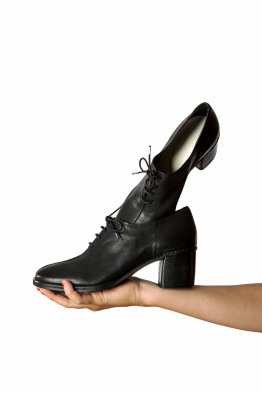 heeled lace up shoes