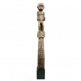 Statue Timor on Stand