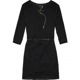 Feminine dress with cut out embroideries