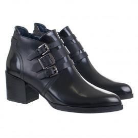 Poppi boots
