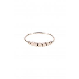 Ring Zusss met metalen kraaltjes / goud