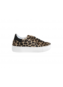 Leopard print sneaker