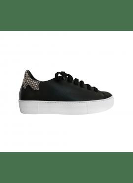 Python print sneaker