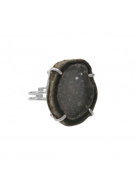 Cave ring silver grey agate stone