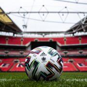 Adidas- Uniforia Officiële wedstrijdbal EK