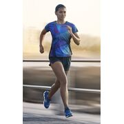 Mizuno - Loopshirt Aero Graphic Tee dames