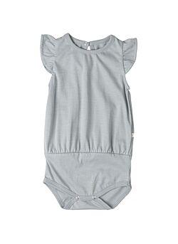 Minimalisma: t-shirt body met vlindermouwen: pippi: powder blue