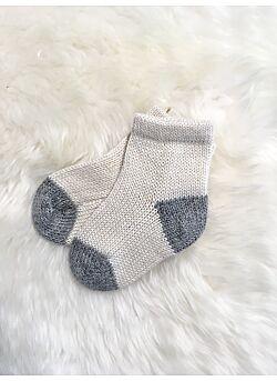 ingugu sokjes uit baby-alpaca-wit/grijs