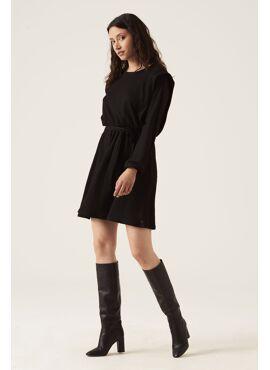 Zwart jurk met detail op de schouders