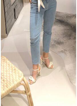 Mana sandals