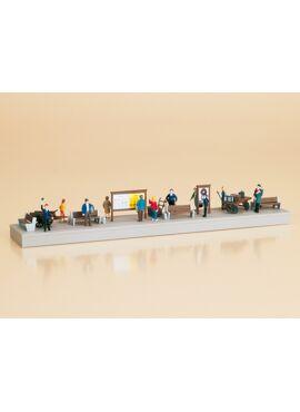AU11339/Bahnsteigausstattung mit Figuren