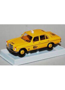 BREKINA 23519 / MB 200 D/8 Taxi uit Brussel (B)
