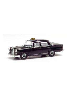 HERPA 095686 / H0 Mercedes-Benz 200 Taxi