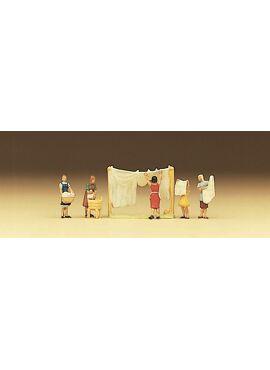Preiser 79050 /  Vrouwen die de was ophangen