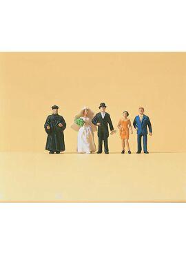 Preiser 14057 / Huwelijkspaar met getuigen en priester