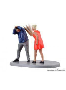 Viessmann 1512 / Man en vrouw met bewegende deegrol (functioneel)