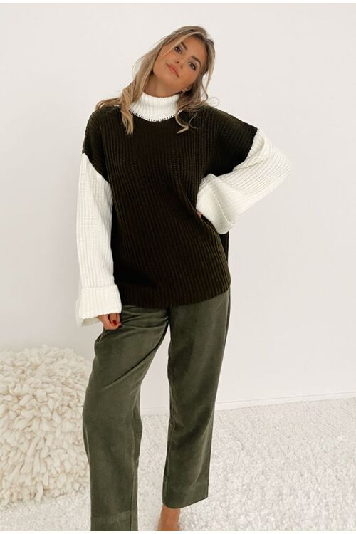 COLOR BLOCKED OVERSIZED KNITTED SWEATER