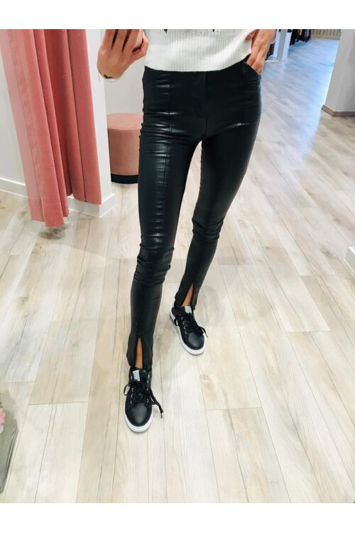 Leather look broek zwart