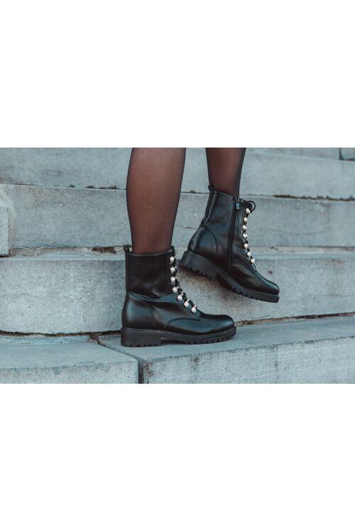 Boots Christi zwart