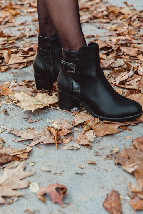 Boots heel Ciara