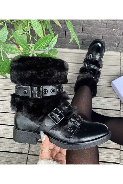 Boots fluffy black