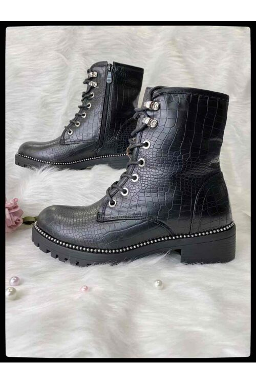 Boots Milani