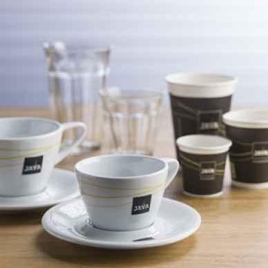 java koffie bekers  glazen en kopjes